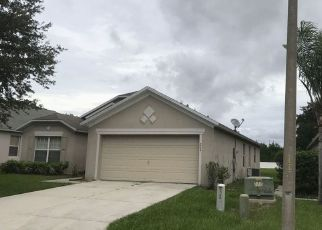 Foreclosed Home en LAKE CHARLES DR, Davenport, FL - 33837