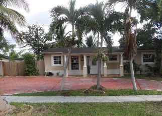 Foreclosed Home in NW 82ND CT, Hialeah, FL - 33015