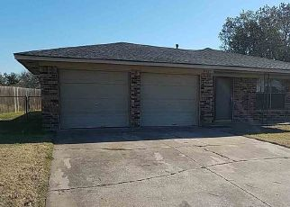 Foreclosed Home in NW ARROWHEAD DR, Lawton, OK - 73505