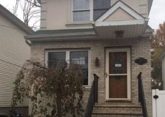 Foreclosed Home en LOCKMAN AVE, Staten Island, NY - 10303