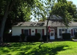 Foreclosed Home en INDIAN FIELD RD, Groton, CT - 06340