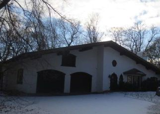 Foreclosed Home en MAYFLOWER CIR, Hopkins, MN - 55305
