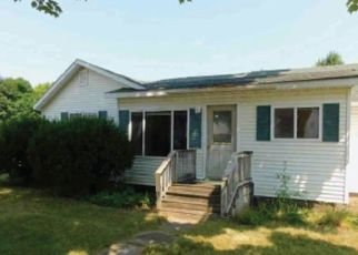 Foreclosed Home en E MAIN ST, Breckenridge, MI - 48615