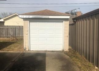 Foreclosed Home in DOVE AVE, Marrero, LA - 70072