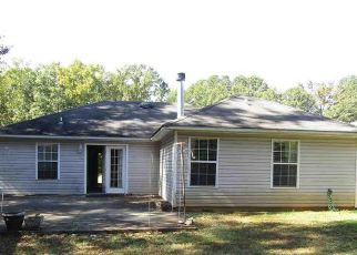 Foreclosed Home in TOWNHOUSE LN, Bessemer, AL - 35023