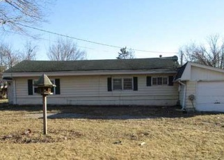 Foreclosed Home en DEWEY AVE, Matteson, IL - 60443