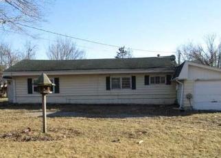 Foreclosed Home in DEWEY AVE, Matteson, IL - 60443