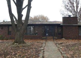 Foreclosed Home en FAIR OAKS DR, Decatur, IL - 62526