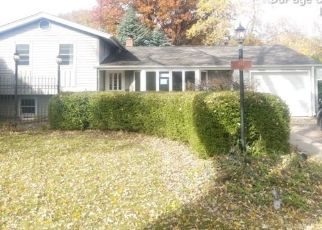 Foreclosed Home in LILAC LN, Naperville, IL - 60540