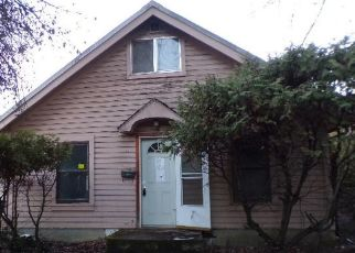 Foreclosed Home in CENTER AVE, Saint Maries, ID - 83861