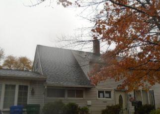 Casa en ejecución hipotecaria in Levittown, PA, 19055,  RED CEDAR DR ID: F4322005