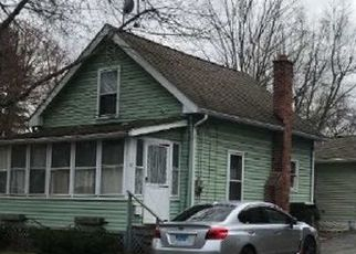 Foreclosed Home en ELM AVE, Enfield, CT - 06082