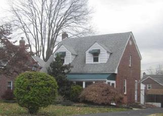 Foreclosed Home en BELMONT AVE, Folsom, PA - 19033