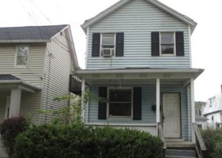 Foreclosed Home en 1ST AVE, Carnegie, PA - 15106