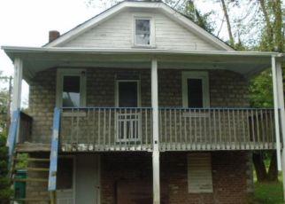 Casa en ejecución hipotecaria in Bristol, PA, 19007,  TAYLOR AVE ID: F4322989