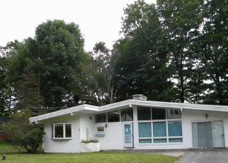 Foreclosed Home in CLIFF ST, Wolcott, CT - 06716