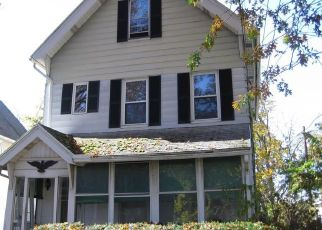 Foreclosed Home en GREENWICH AVE, New Haven, CT - 06519