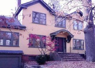 Foreclosed Home en PARIS AVE, Rockford, IL - 61107