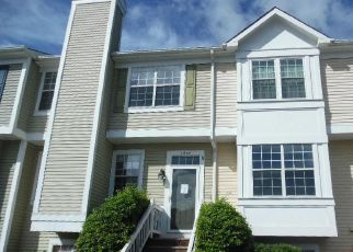 Foreclosed Home en SADDLEHORN CT, Manassas, VA - 20109