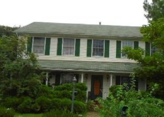 Foreclosed Home en MONCURE AVE, Falls Church, VA - 22041