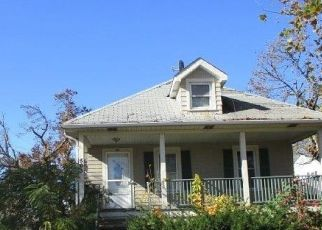 Foreclosed Home in VOSSELLER AVE, Bound Brook, NJ - 08805