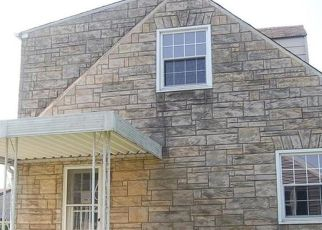 Foreclosed Home en UNION AVE, Natrona Heights, PA - 15065