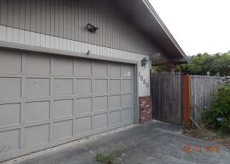Foreclosed Home in 35TH ST, Florence, OR - 97439