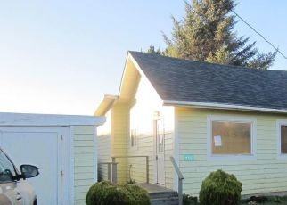 Foreclosed Home in NW 6TH ST, Newport, OR - 97365