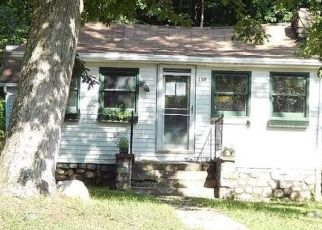 Foreclosed Home en LAKE SHORE DR, Pine Bush, NY - 12566