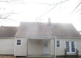 Foreclosed Home en DALEWOOD AVE, Maple Heights, OH - 44137
