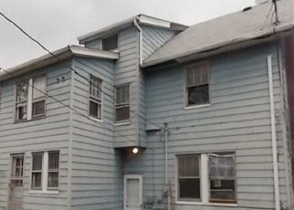 Foreclosed Home en BERKSHIRE RD, Cleveland, OH - 44118