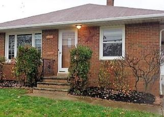 Foreclosed Home en E 93RD ST, Cleveland, OH - 44125