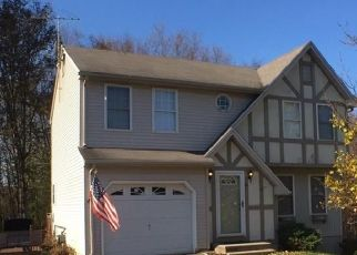Foreclosed Home in DEVONSHIRE RD, Wolcott, CT - 06716