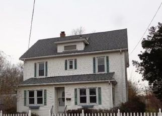 Foreclosed Home in FARMINGTON AVE, Berlin, CT - 06037