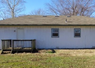 Foreclosed Home en TEKARY ST, Lebanon, MO - 65536