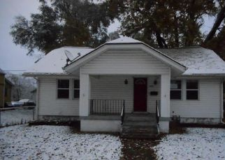 Foreclosed Home en S DODGION ST, Independence, MO - 64050