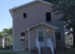 Foreclosed Home en N HIGH ST, Lake City, MN - 55041
