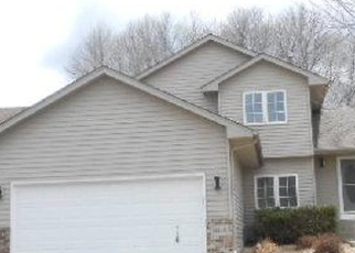 Foreclosed Home en BLUEBIRD TRL NE, Prior Lake, MN - 55372