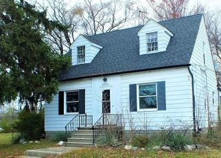 Foreclosed Home in 15 MILE RD, Clinton Township, MI - 48035