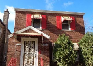 Foreclosed Home en S EBERHART AVE, Chicago, IL - 60628