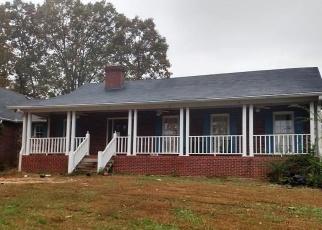 Foreclosed Home en GRAND EIGHT LN, Summerville, GA - 30747