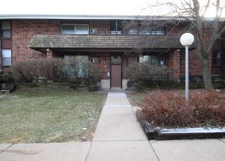 Foreclosed Home en W LEON TER, Milwaukee, WI - 53218