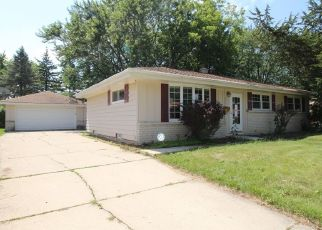 Foreclosed Home en W DALLAS ST, Milwaukee, WI - 53224