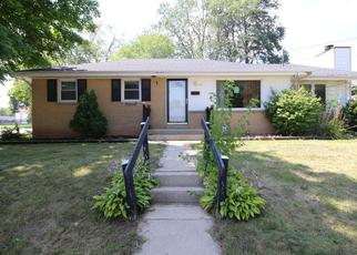 Foreclosed Home en N 87TH ST, Milwaukee, WI - 53225