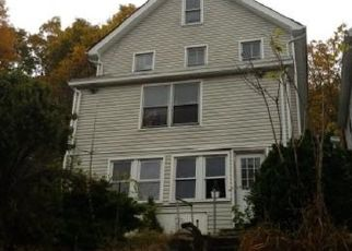 Foreclosed Home en HOWARD ST, Peekskill, NY - 10566
