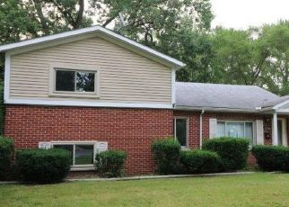 Foreclosure Home in Redford, MI, 48240,  WAKENDEN ID: F4324048