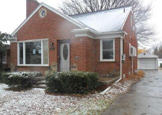 Foreclosed Home en PHILOMENE BLVD, Allen Park, MI - 48101