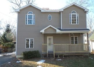 Foreclosed Home in WATERLOO RD, Budd Lake, NJ - 07828
