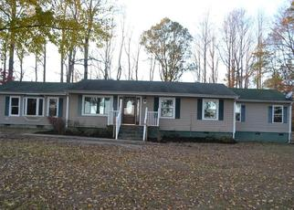 Foreclosed Home en LONGSTREET LN, Suffolk, VA - 23437