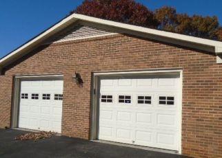 Foreclosed Home en PARKWOOD CT, Collinsville, VA - 24078
